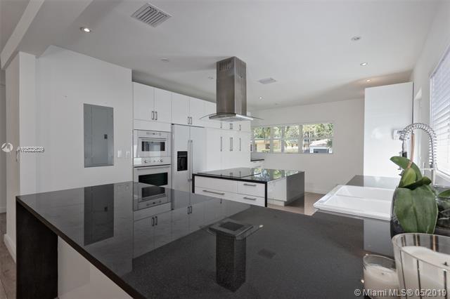 640 NE 53rd St,  Miami, FL