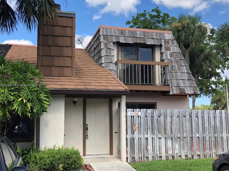 4127 Palm Bay Circle, West Palm Beach FL 33406-
