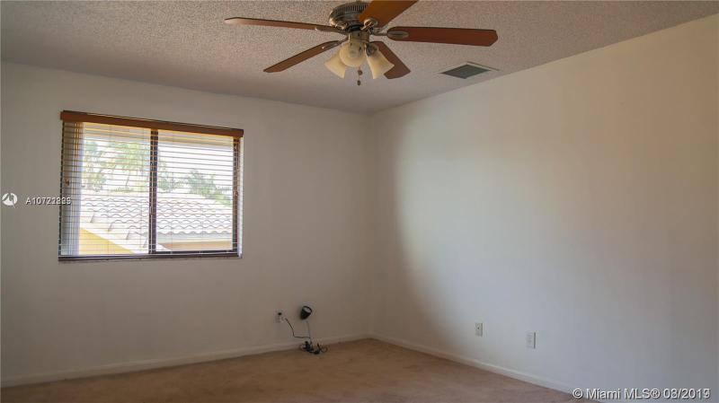 620 W Cypress Pointe Dr W, Pembroke Pines, FL, 33027