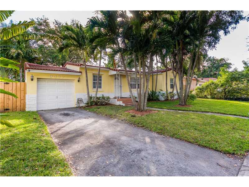For Sale at  9437 NW 2Nd Pl Miami Shores  FL 33150 - Odell Manors - 2 bedroom 1 bath A10223396_2