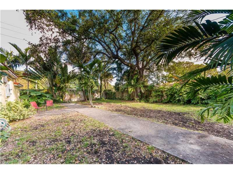 For Sale at  9437 NW 2Nd Pl Miami Shores  FL 33150 - Odell Manors - 2 bedroom 1 bath A10223396_20