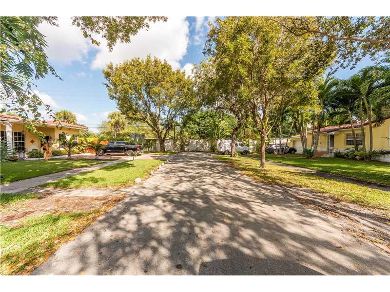 For Sale at  9437 NW 2Nd Pl Miami Shores  FL 33150 - Odell Manors - 2 bedroom 1 bath A10223396_4