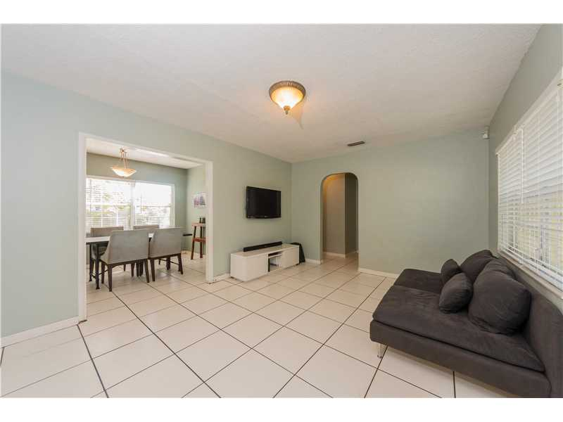 For Sale at  9437 NW 2Nd Pl Miami Shores  FL 33150 - Odell Manors - 2 bedroom 1 bath A10223396_5