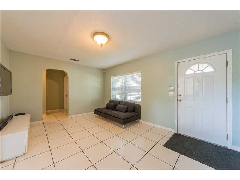 For Sale at  9437 NW 2Nd Pl Miami Shores  FL 33150 - Odell Manors - 2 bedroom 1 bath A10223396_6