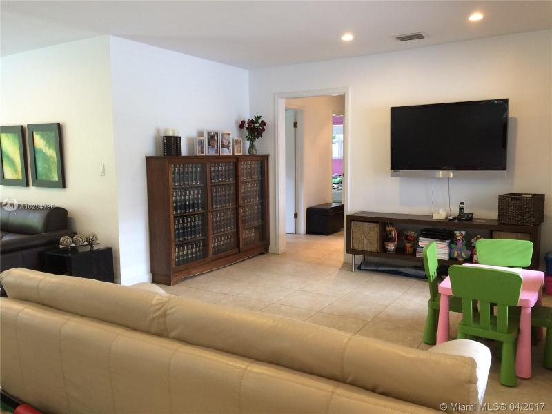For Sale at  535   Altara Ave Coral Gables  FL 33146 - Coral Gables Riviera Sec - 3 bedroom 2 bath A10254796_10