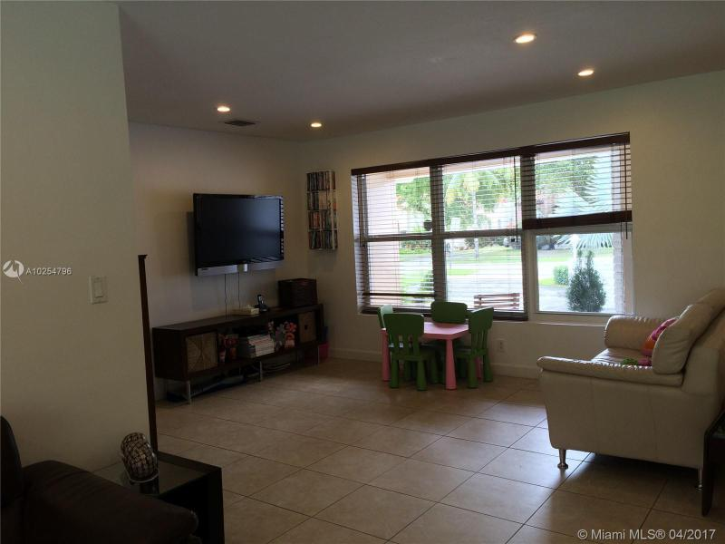 For Sale at  535   Altara Ave Coral Gables  FL 33146 - Coral Gables Riviera Sec - 3 bedroom 2 bath A10254796_11