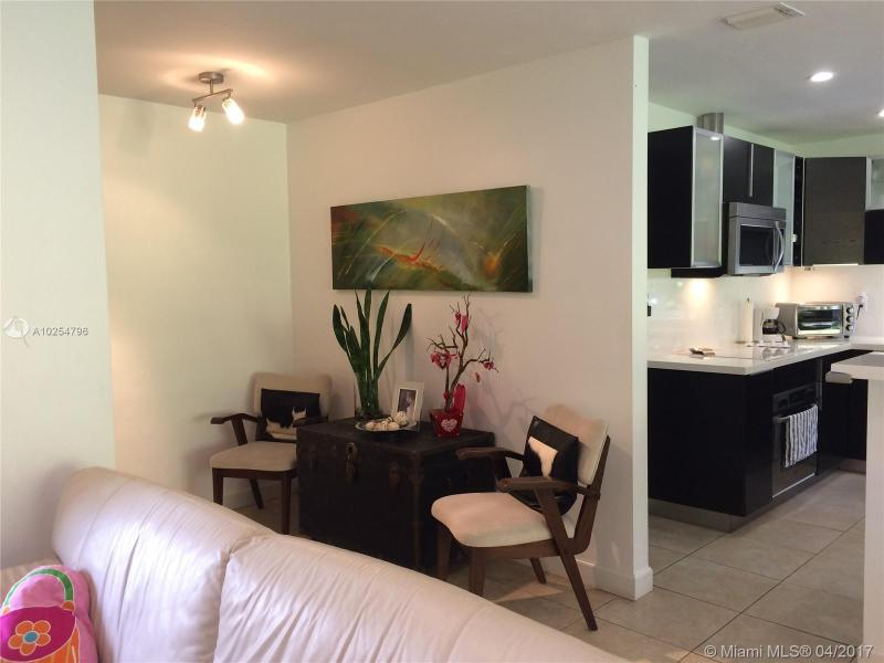 For Sale at  535   Altara Ave Coral Gables  FL 33146 - Coral Gables Riviera Sec - 3 bedroom 2 bath A10254796_5