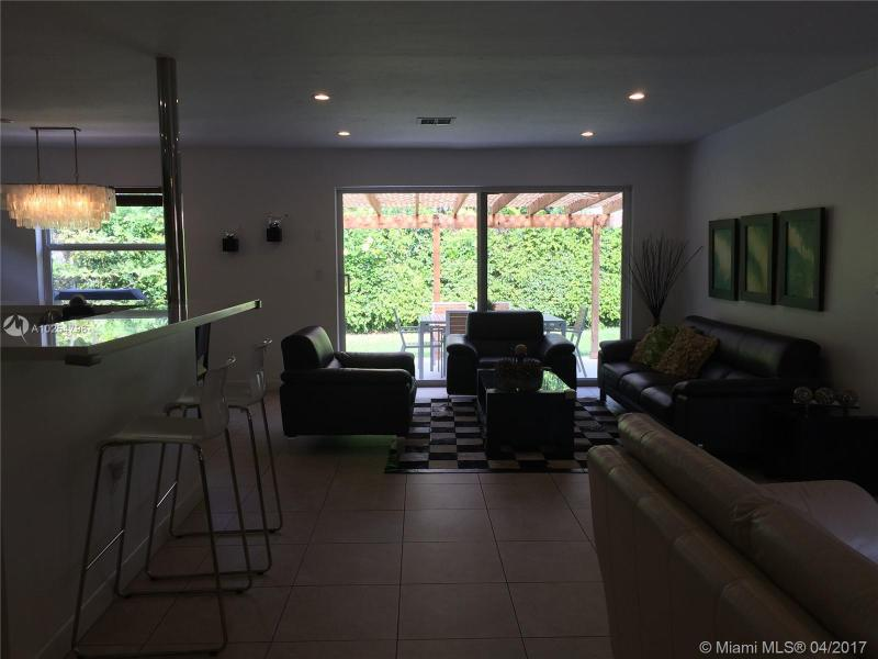 For Sale at  535   Altara Ave Coral Gables  FL 33146 - Coral Gables Riviera Sec - 3 bedroom 2 bath A10254796_7