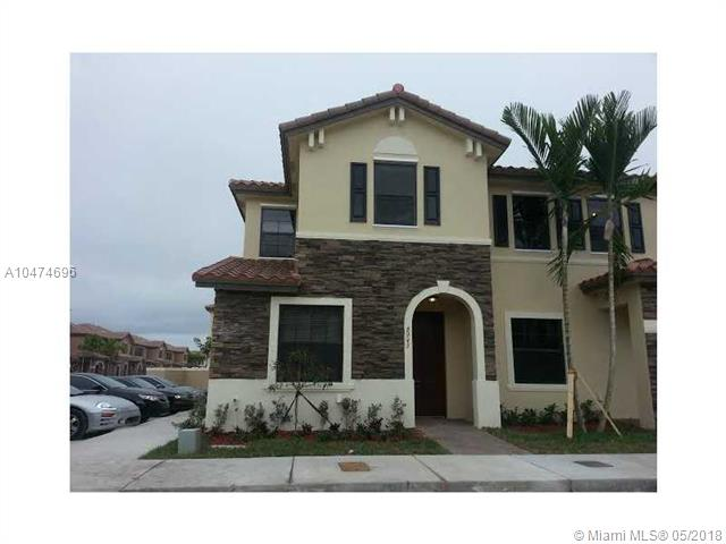 10470 W 33 WAY , Hialeah Gardens, FL 33018-