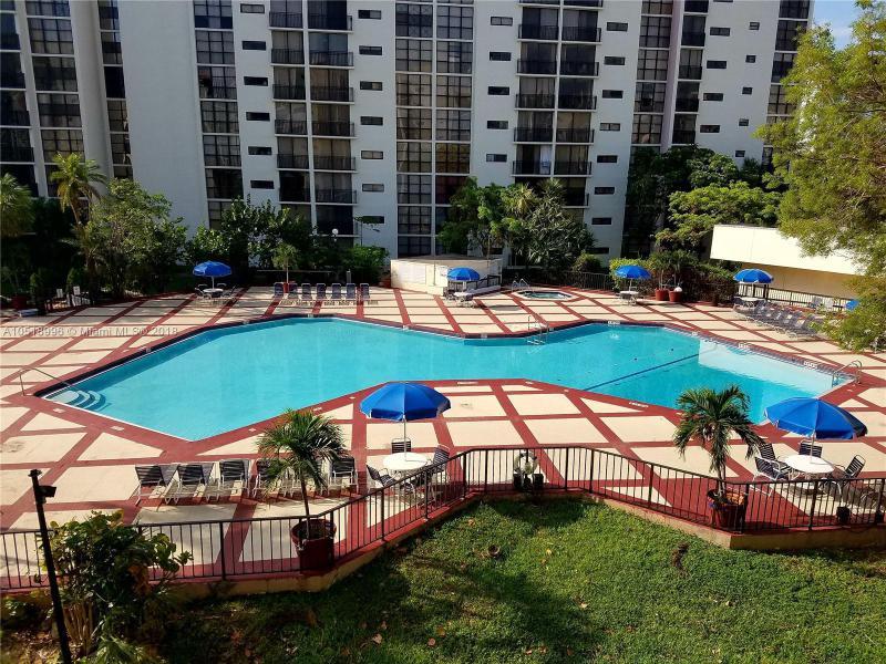 250 174th St, Sunny Isles Beach FL 33160-5382