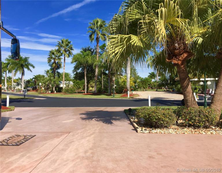 3111 E RiverBend Resort Blvd, LABELLE, FL, 33935