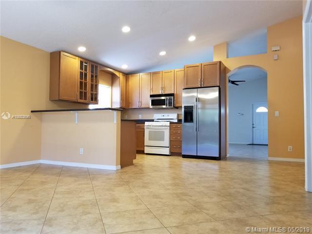 13201 NW 12th St , Pembroke Pines, FL 33028-2707