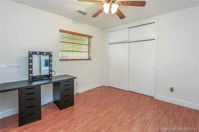 6770 SW 11th St, Pembroke Pines, FL, 33023
