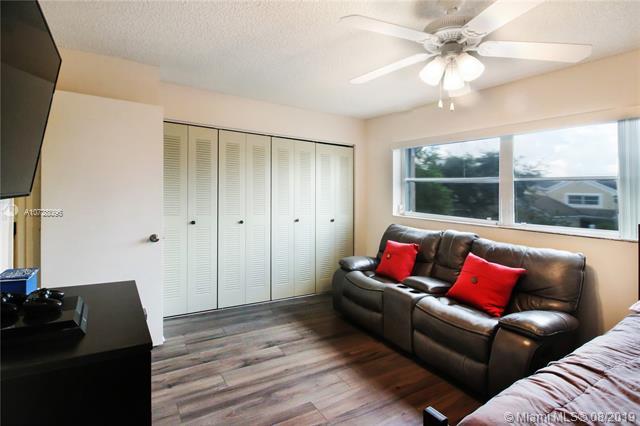 1360 NW 122nd Ter, Pembroke Pines, FL, 33026