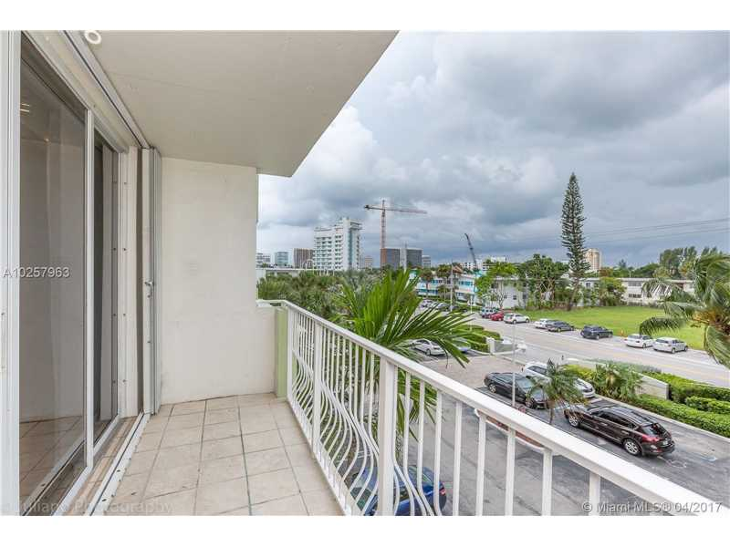 For Sale at  10350 W Bay Harbor Dr #3K Bay Harbor Islands  FL 33154 - Island Pointe - 1 bedroom 1 bath A10257963_15