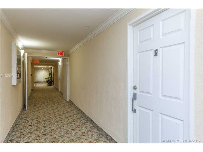 For Sale at  10350 W Bay Harbor Dr #3K Bay Harbor Islands  FL 33154 - Island Pointe - 1 bedroom 1 bath A10257963_3