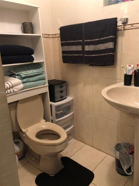 Imagen 12 de Residential Rental Florida>Miami>Miami-Dade   - Rent:1.350 US Dollar - codigo: A10429763