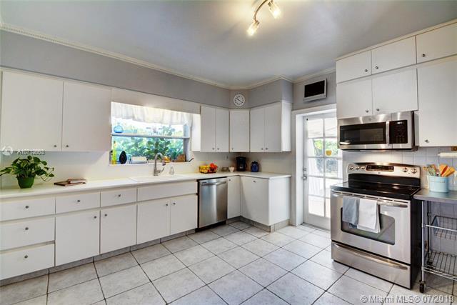 860 NE 115th St, Biscayne Park, FL, 33161