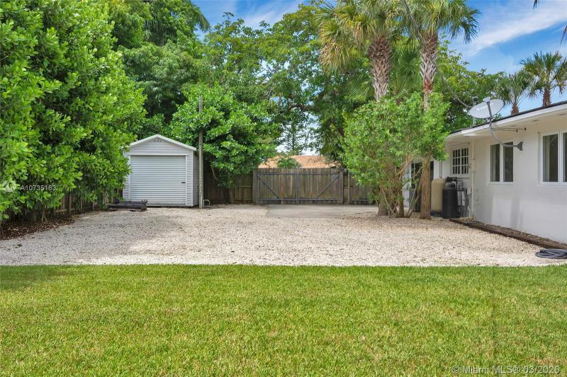 6840 N Cartee Rd, Palmetto Bay, FL, 33158