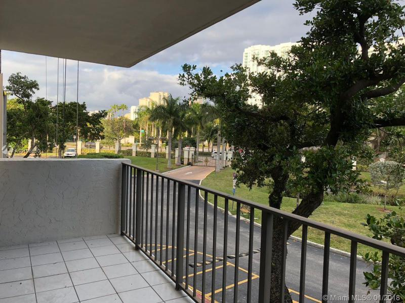 18151 31st Ct  Unit 1715, Aventura, FL 33160