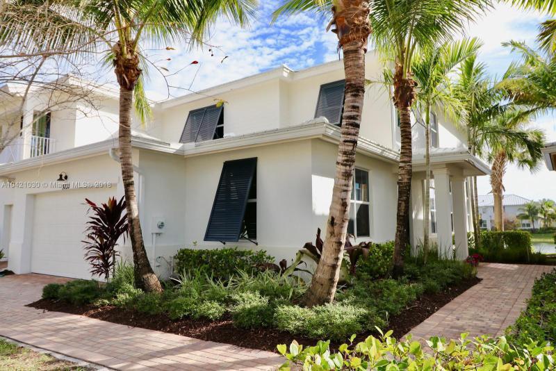 1025 Piccadilly Street, Palm Beach Gardens FL 33418-