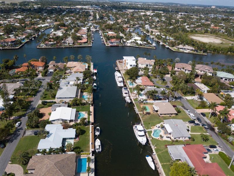 3206  Dover Rd  Pompano Beach, FL 33062-1210 MLS#A10625630 Image 10