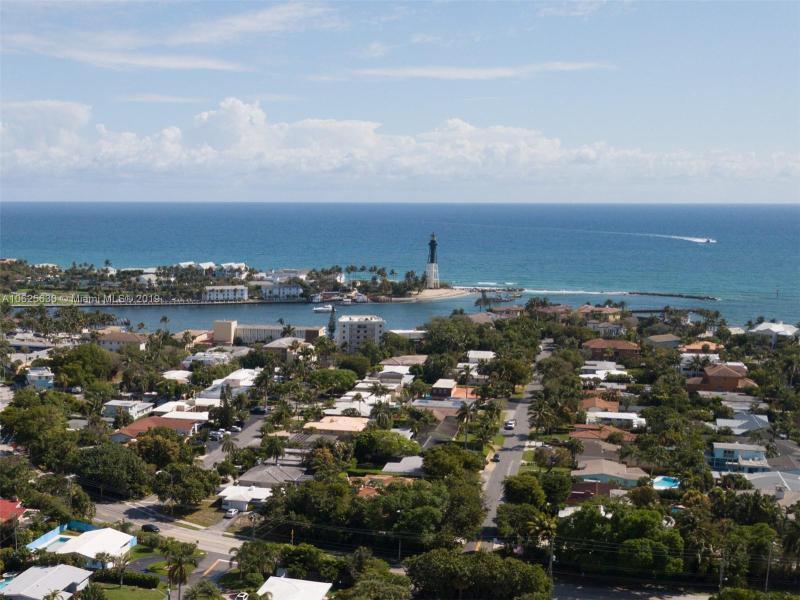 3206  Dover Rd  Pompano Beach, FL 33062-1210 MLS#A10625630 Image 3