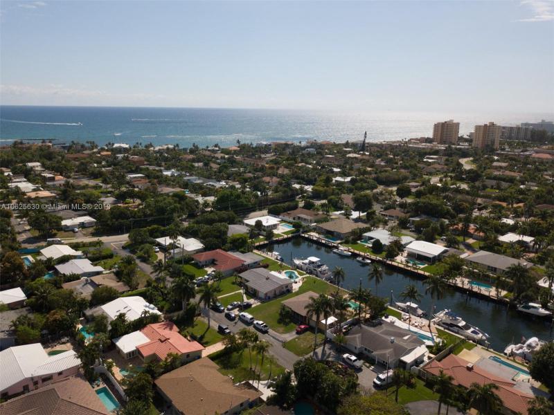 3206  Dover Rd  Pompano Beach, FL 33062-1210 MLS#A10625630 Image 5