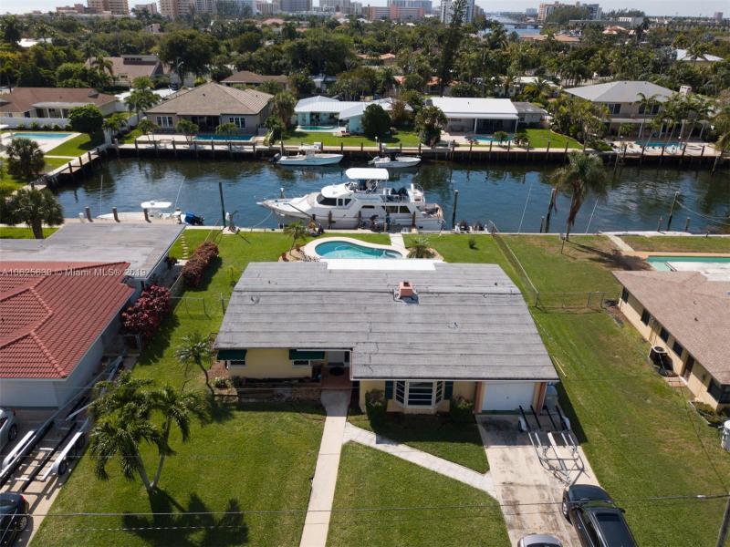 3206  Dover Rd  Pompano Beach, FL 33062-1210 MLS#A10625630 Image 7