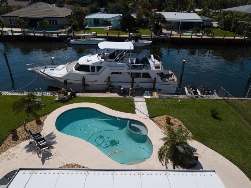 3206  Dover Rd  Pompano Beach, FL 33062-1210 MLS#A10625630 Image 8