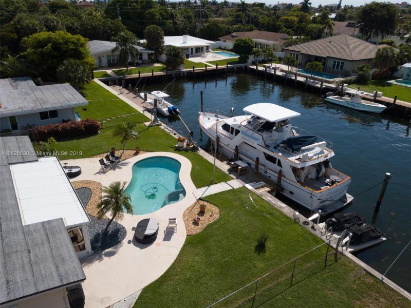 3206  Dover Rd  Pompano Beach, FL 33062-1210 MLS#A10625630 Image 9