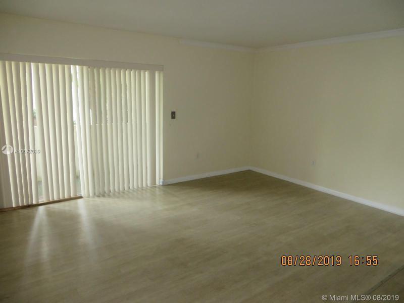 8950 SW 69th Ct 109, Pinecrest, FL, 33156