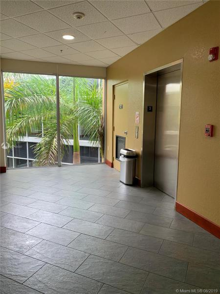 18503 Pines Blvd 313, Pembroke Pines, FL, 33029