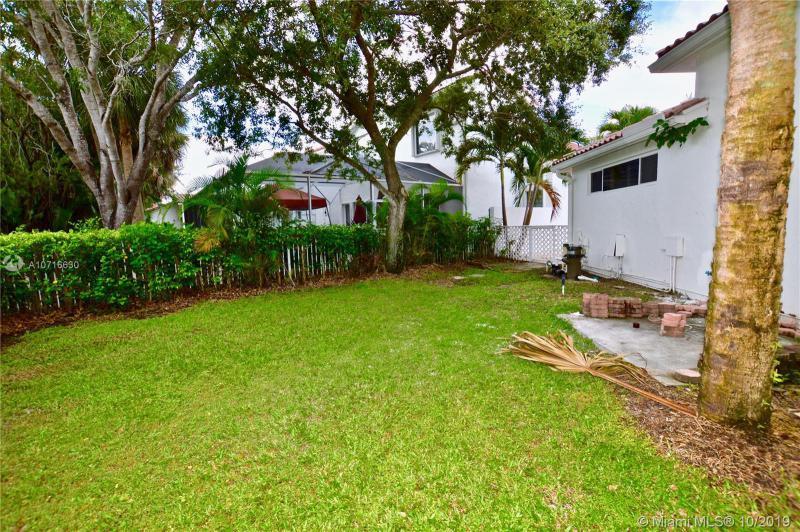 1101 W Bel Aire Dr W, Pembroke Pines, FL, 33027