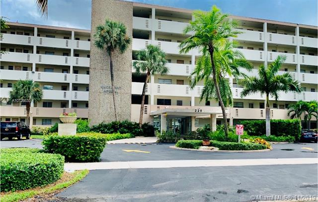 220 Kings Point Dr 112, Sunny Isles Beach, FL, 33160