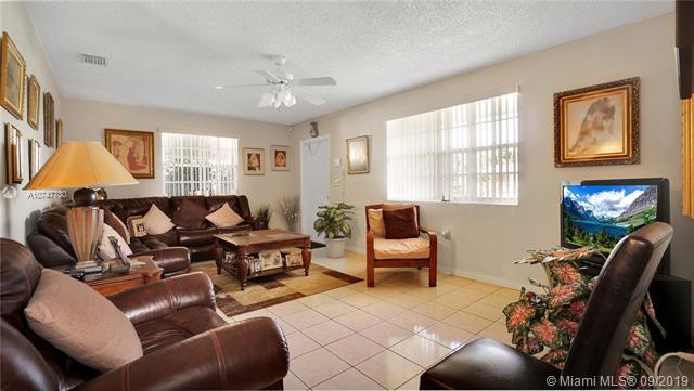 1040 W 33rd Place, Hialeah, FL, 3012