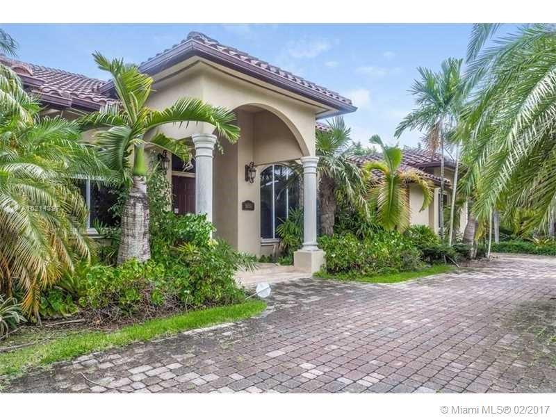 7628 167th St , Palmetto Bay, FL 33157