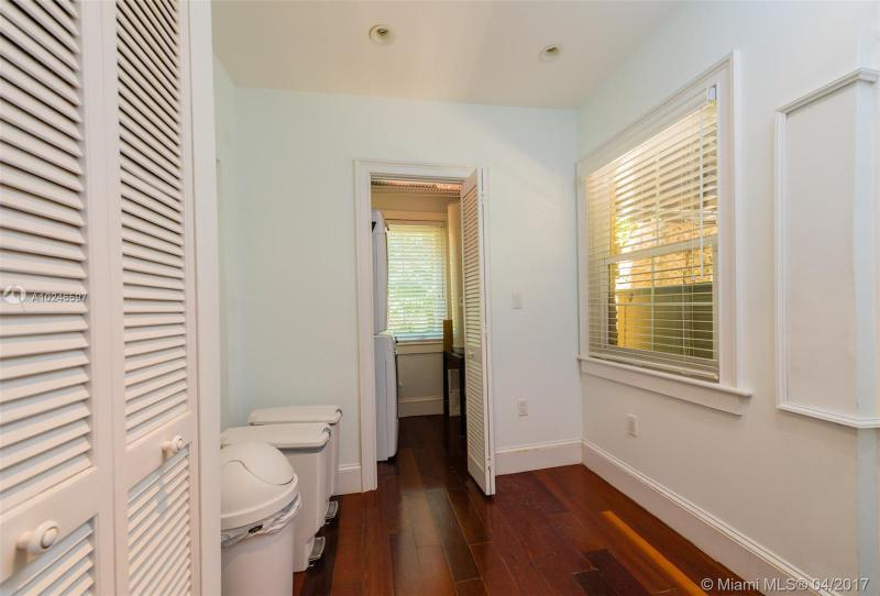 For Sale at  407   Navarre Ave Coral Gables  FL 33134 - Coral Gables Sec B - 4 bedroom 3 bath A10246597_17