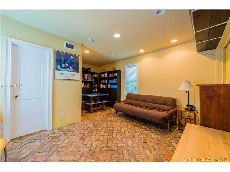 For Sale at  407   Navarre Ave Coral Gables  FL 33134 - Coral Gables Sec B - 4 bedroom 3 bath A10246597_19