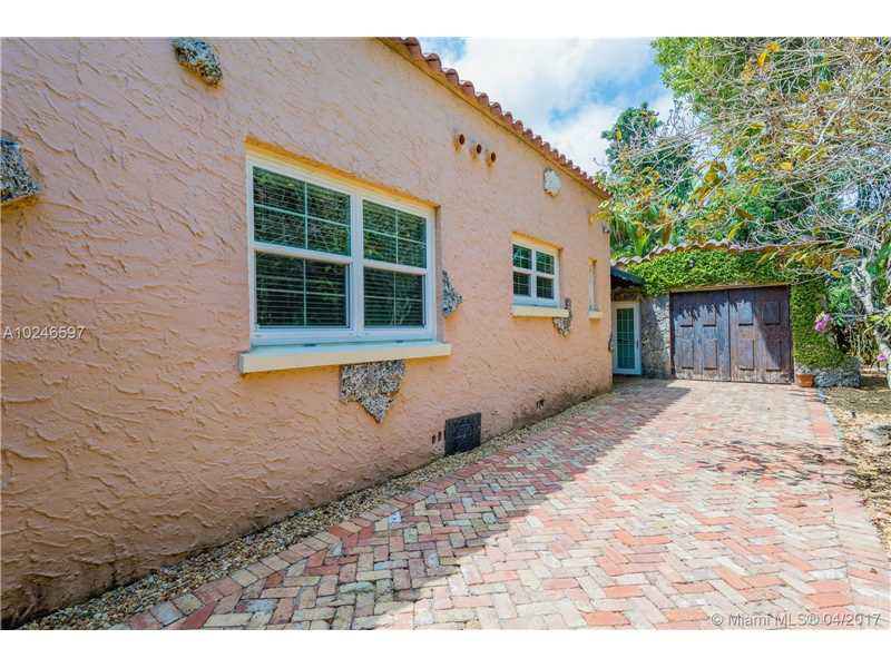 For Sale at  407   Navarre Ave Coral Gables  FL 33134 - Coral Gables Sec B - 4 bedroom 3 bath A10246597_24