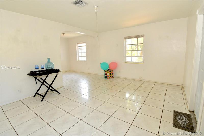 1413 7th Ave, Fort Lauderdale FL 33311-6061