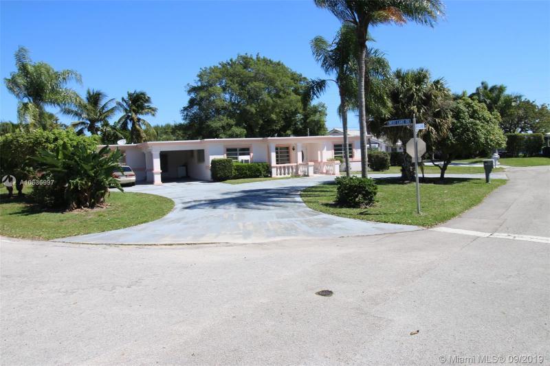 7500 W Lake Dr, Lake Clarke Shores, FL, 33406