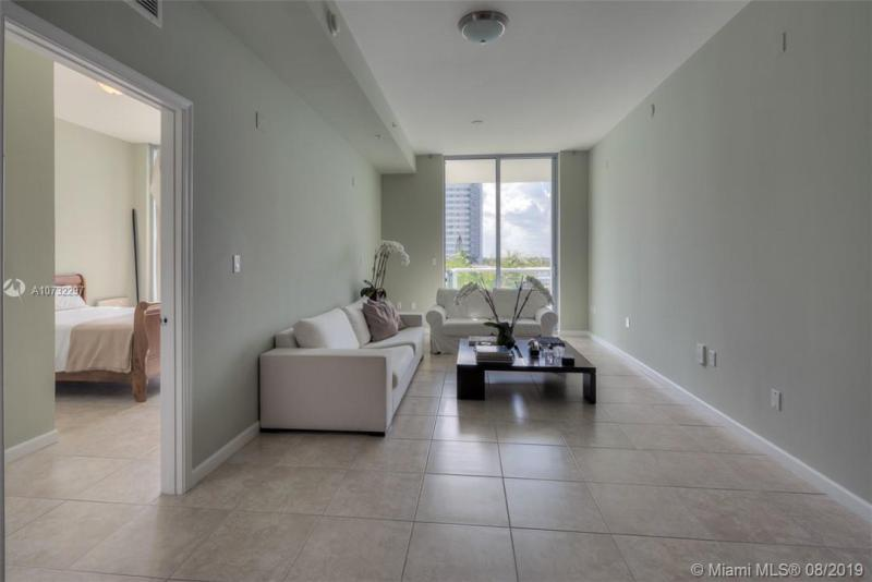 7928 East Dr 402, North Bay Village, FL, 33141