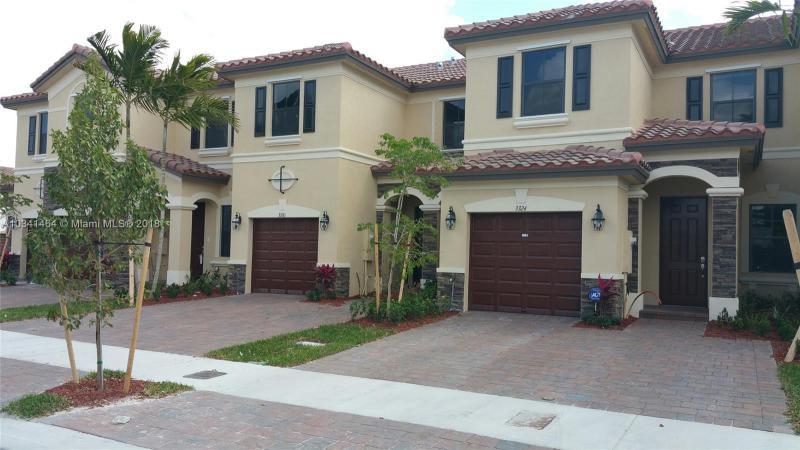 3457 W 89 TE , Hialeah Gardens, FL 33018-