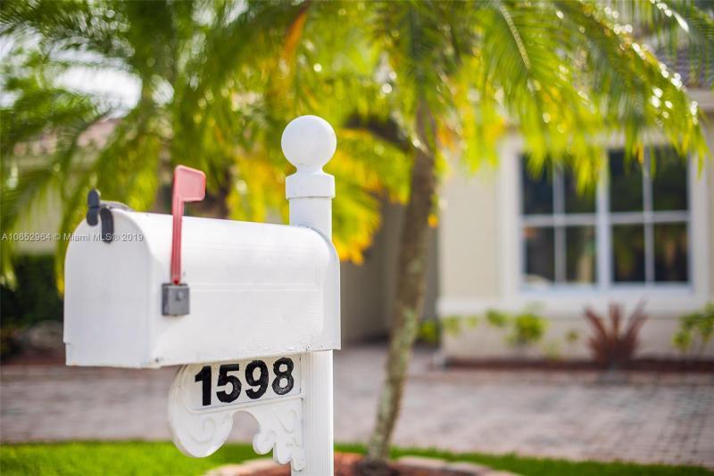1550 SW 191st Ter , Pembroke Pines, FL 33029-6162