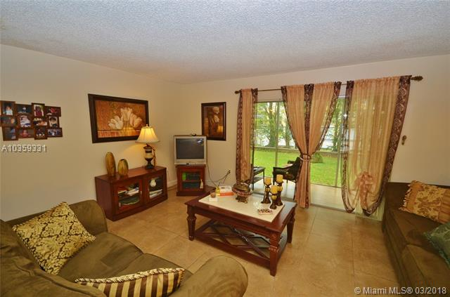 5801 NW 62nd Ave  Unit 303, Tamarac, FL 33319-2228