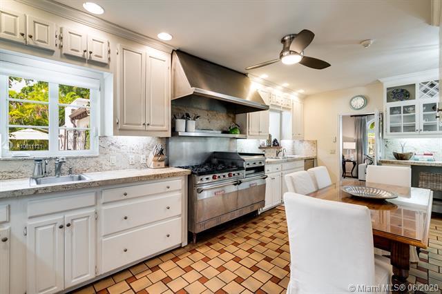 2817 Columbus Blvd, Coral Gables, FL, 33134