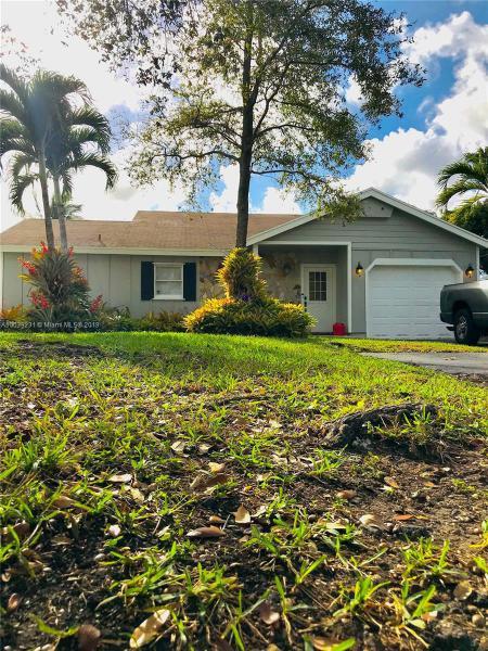 14616 SW 142nd Pl , Miami, FL 33186-7203