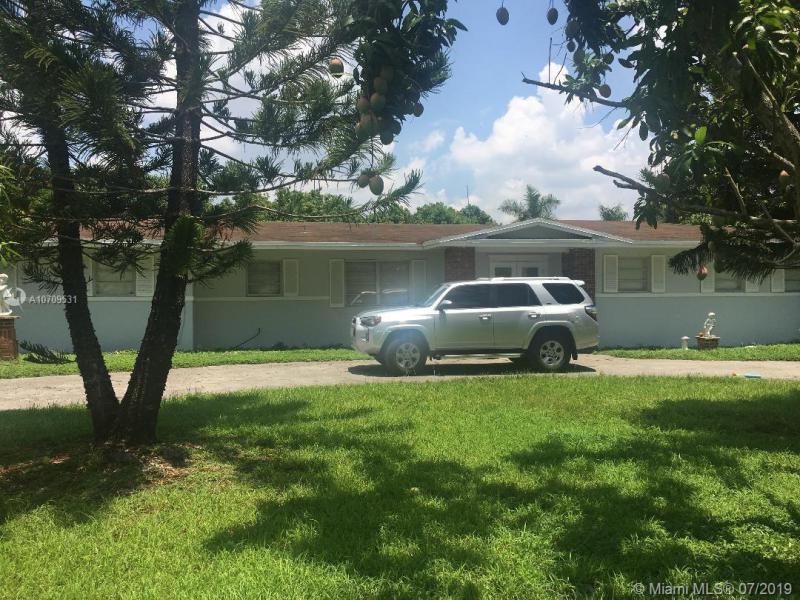 13255 SW 208th St,  Miami, FL