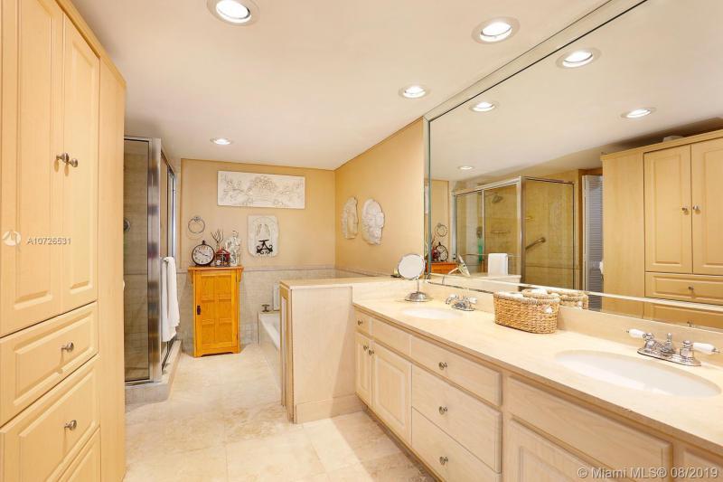 600 Biltmore Way 903, Coral Gables, FL, 33134
